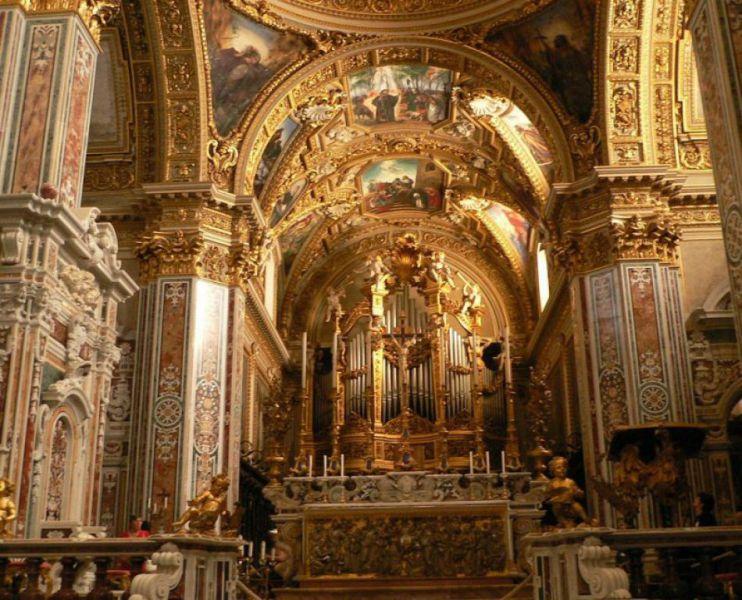 Abbazia di Montecassino, Altare Maggiore